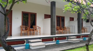 Rooms in Legian with front porch