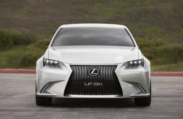 The famous Lexus spindle grille in concept