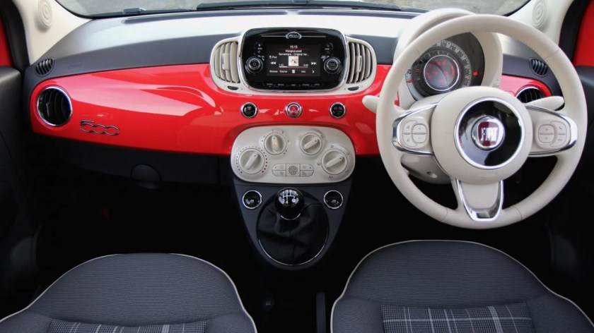 The interior of the 2016 Fiat 500