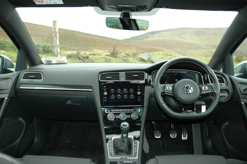 Volkswagen Golf R review ireland