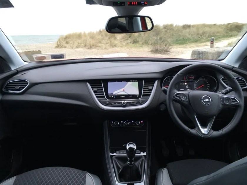 The interior of the 2018 Opel Grandland X