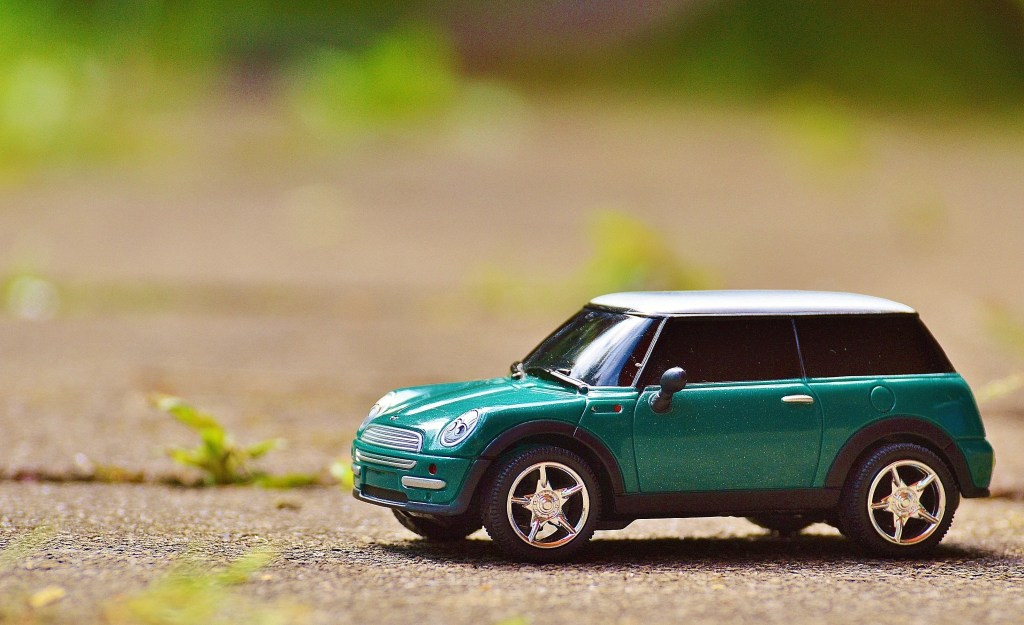 What preferences are Irish car buyers showing in the new car market so far in 2018?
