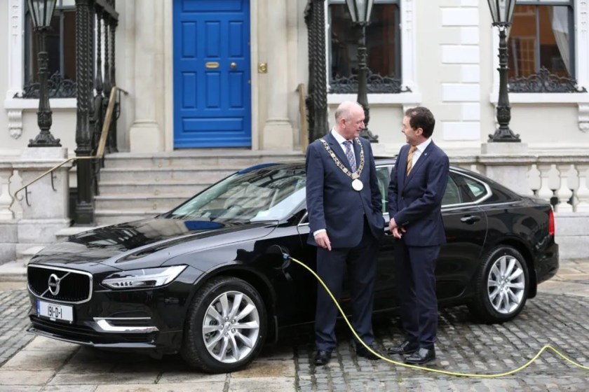 Nial Ring, Lord Mayor of Dublin and David Thomas, MD of Volvo Ireland