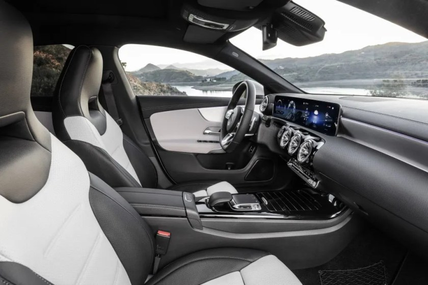 The interior of the new Mercedes-Benz CLA Shooting Brake