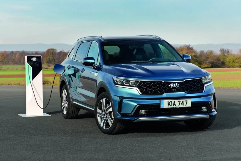 The Kia Sorento is available as a plug-in hybrid for the first time in 2021