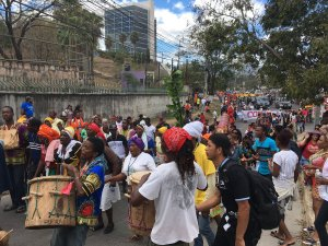 love-for-bertacaceres-filling-the-streets-of-tegucigalpa-today-march-1