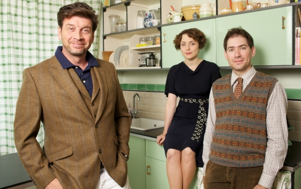 Nick Knowles and Art Deco contributors[1]
