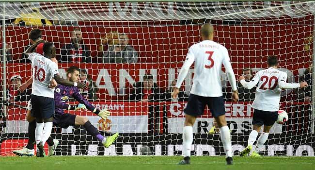 Liverpool Manchester United - Mourinho and Solskjaer fire back at Klopp