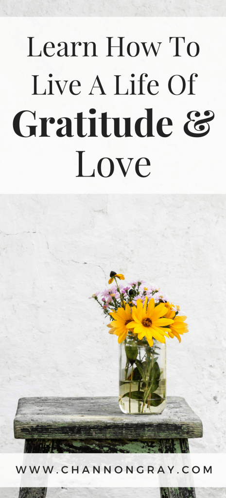 Learn how to live a life of gratitude, love, appreciation and thankfulness and you will improve your mental health, wellbeing and positivity towards life in general - we should learn to appreciate more this Easter Time and spend it with family. Self-Improvement, Self-Care and Self-Love in a Bullet Journal // channongray.com - heythereChannon