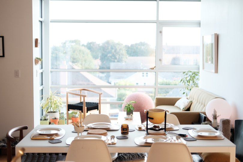 Student accommodation isn't renowned for being the height of interior excellence. It is important to spend your time in pleasant and cheerful surroundings for your own wellbeing. - www.channongray.com // heythereChannon #interiordesign #studentbudget #university - Student Budget Decor Ideas