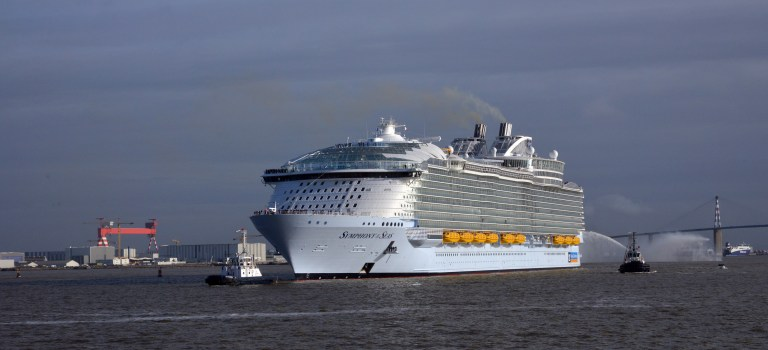 Today Symphony of the Seas left Saint-Nazaire yard