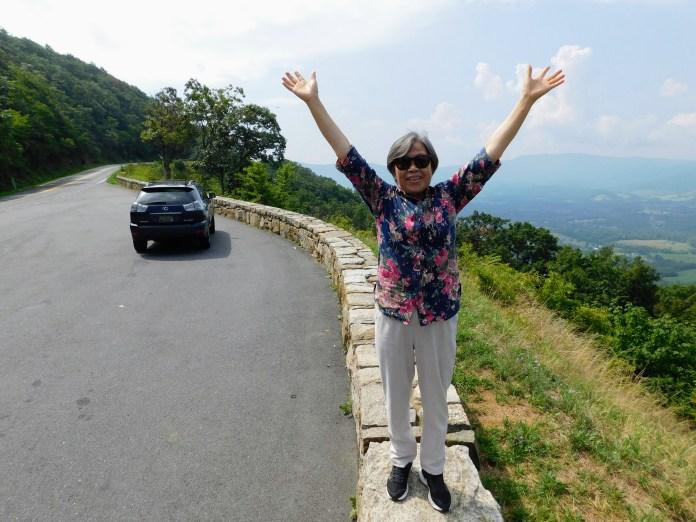 弗吉尼亚,天际线路,是阿巴拉契亚山脉的一部分。观光车路在山脊线上。