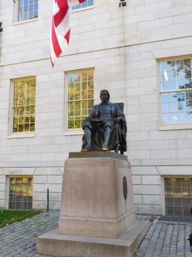 哈佛大学幸运文曲星雕像