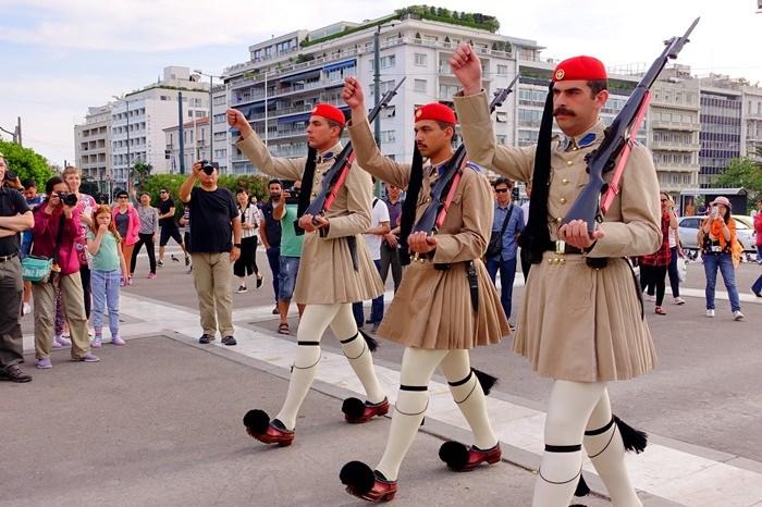 【17 蜜月.希臘-雅典】- DAY3 羅馬古市集、雅典古市集、哈德良圖書館、憲法廣場衛兵交接