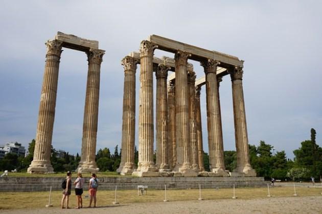 【17 蜜月.希臘-雅典】- DAY2 壯觀的宙斯神殿。來奧林匹克運動場奔跑吧
