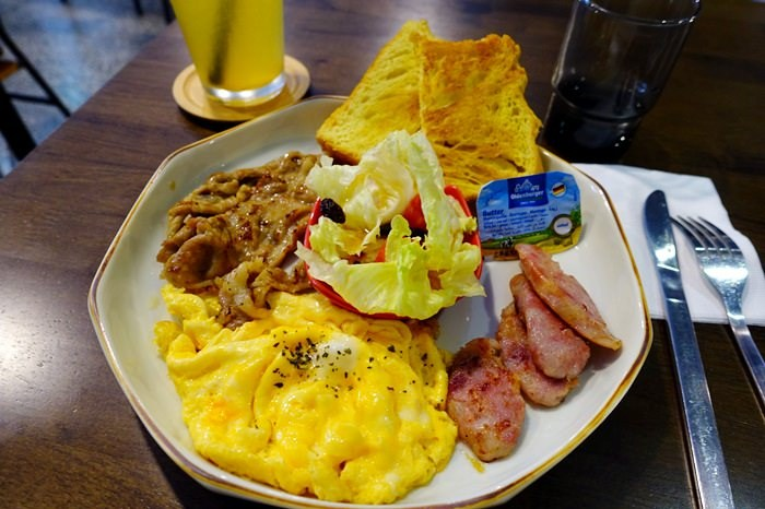 【食記】坐坐咖啡Zuò Zuò Cafe.復古懷舊老屋咖啡店@中山站