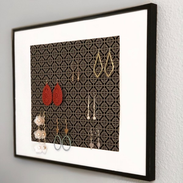 Quick & Simple, 4-Step DIY Earring Organizer