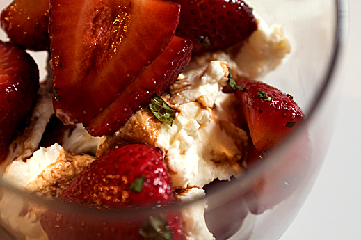 Balsamic strawberries and mint