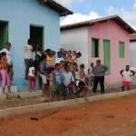 Casas populares são ocupadas em loteamento na cidade de Baixa Grande