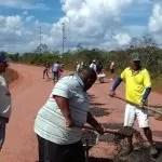 MUCUGÊ: prefeito eleito lidera mutirões pra recuperar trecho quase intransitável da BA-142