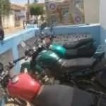 CIPE CHAPADA encontra 4 motos adulteradas e com placas frias em oficina em Nova Redenção