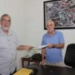 Ibicoara: Prefeito Arnaldo assina autorização do SAA de Cascavel e pavimentação asfáltica da Sede
