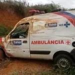 Ambulância de Bonito colide contra barranco em rodovia entre Utinga e Ruy Barbosa