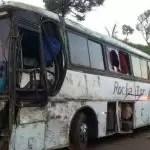 Ônibus que seguia para Irecê-BA tomba e deixa 11 pessoas feridas na BR-262