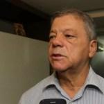 TCM multa ex-prefeito de Utinga por irregularidades na contratação de bandas