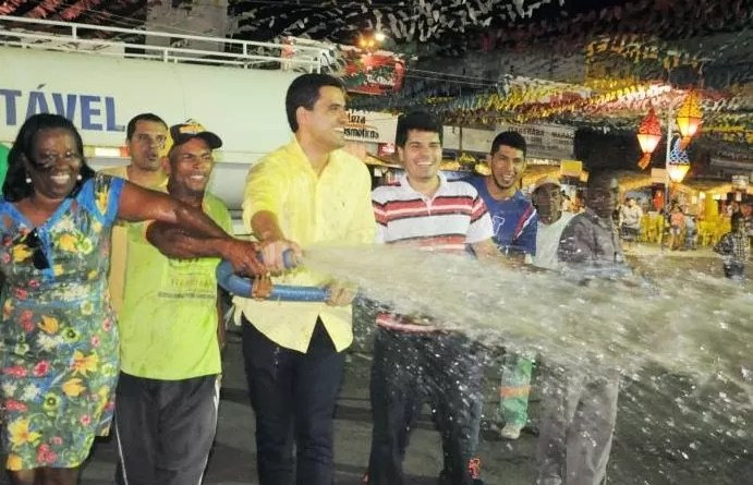 lavagem do circuito na Pç. do Coqueiro abre oficialmente o São João de Itaberaba