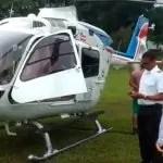 Helicóptero do governador da Bahia faz pouso de segurança em campo de futebol no sul do estado