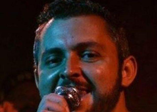 Cantor sertanejo morre após bater carro em duas motos em São Paulo