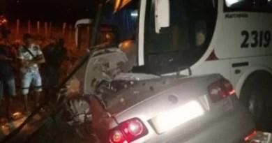 Acidente com ônibus da seleção de Cachoeira deixa casal morto na BA-046
