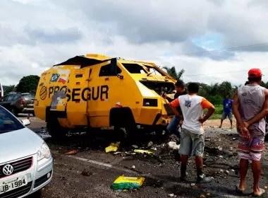 Jacobina: Carro-forte é explodido na BR-324; quadrilha obrigou segurança a sair de veículo