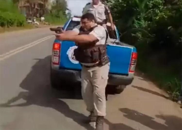 PM atira contra manifestante em protesto de caminhoneiros na BR-101