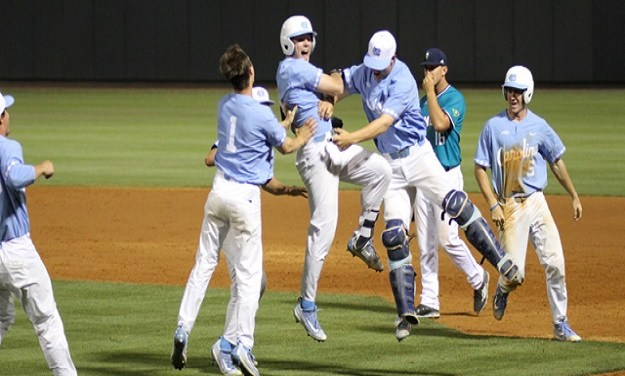 """Datres' Heroics Help UNC Take """"Must-Win"""" Game from UNC-Wilmington"""