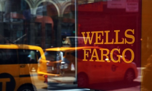 Durham Tech Students Receive Financial Aid from Wells Fargo