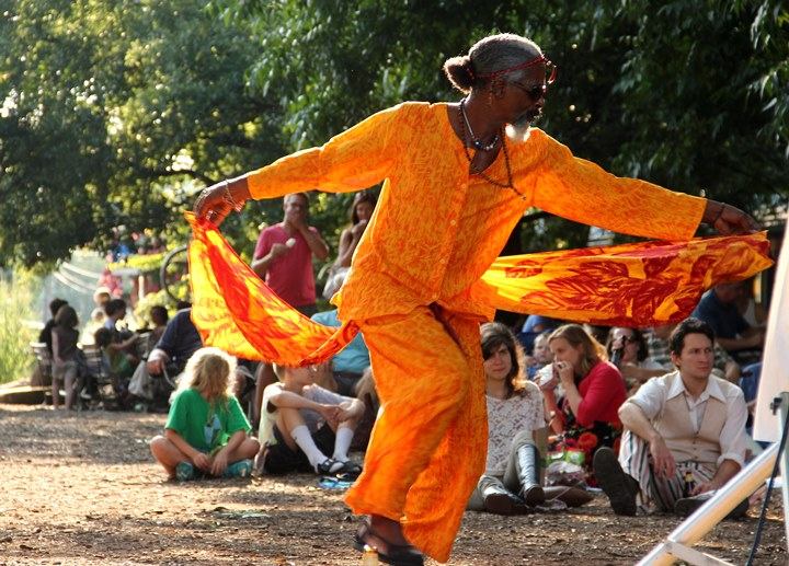 Bruce Thomas is famous for dancing at Weaver Street Market-001