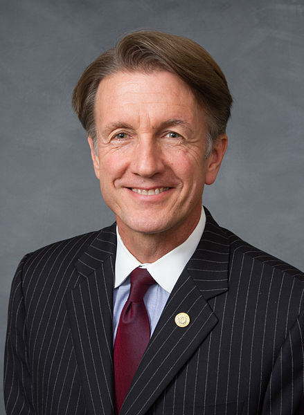 State Bars Sen. Thom Goolsby, R-New Hanover, from Investment Advising