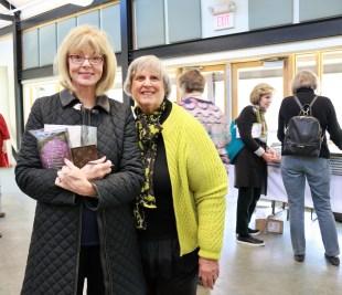 Barbara Robertson, Sarah Laish