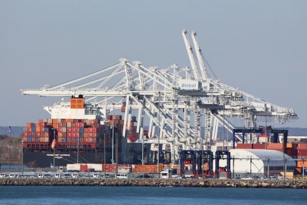 photo-ships-cranes