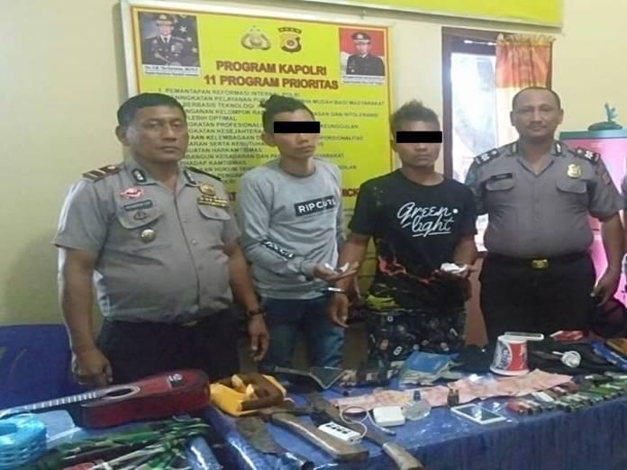 Bawa Ganja dan Senjata Tajam, Dua Pria Ditangkap Polsek Babul Makmur