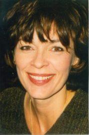 L.K. Simonds Author Photo