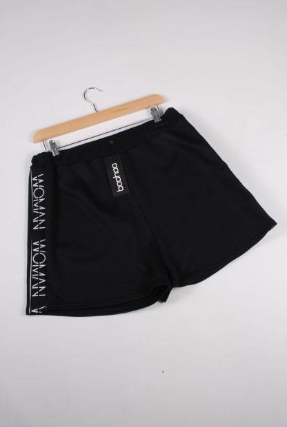 Boohoo Woman Black Shorts - Size 16 - Front