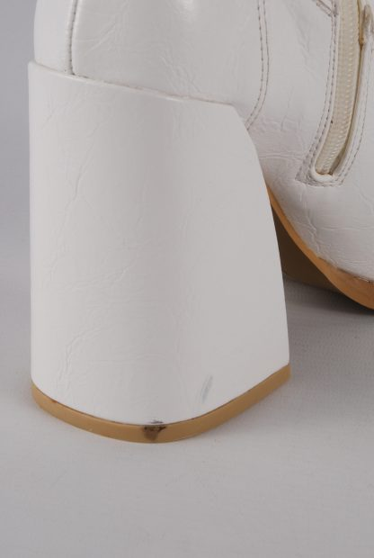 Koi White Block Heel Sock Boots - Size 5 - Damage