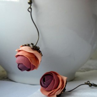 Rose Earrings © Ciupakabra