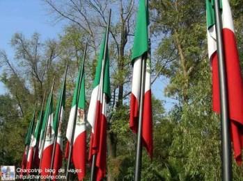 banderas-altar-a-la-patria-chapultepec