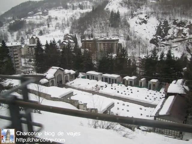 Cementerio nevado