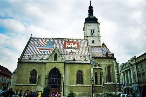 Florencio tuvo que intercalar las bellas vistas de Croacia con las tiendas de ropa.