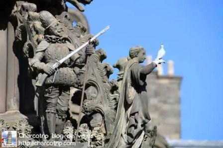 estatua-holyroodhouse